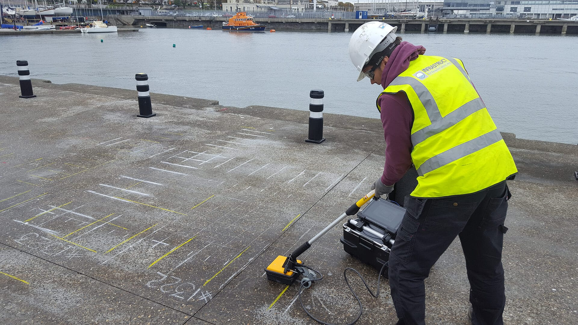 GPR surveys on concrete structures - Infrastruct