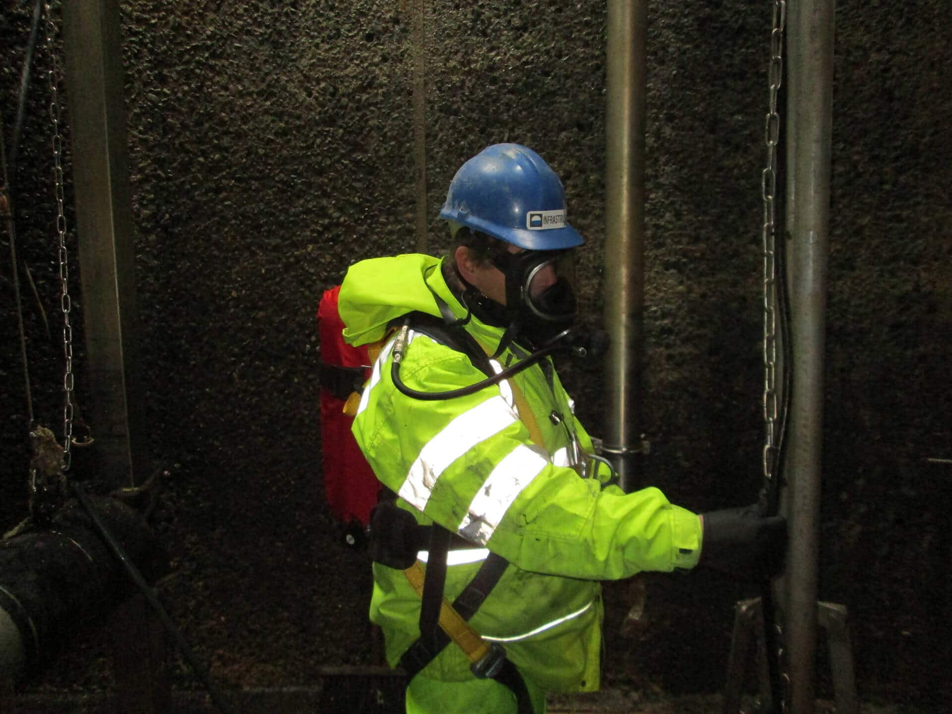 Confined spaces entry for inspection of concrete structures - Infrastruct